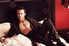 Michael Fassbender: come to bed, darling :-)