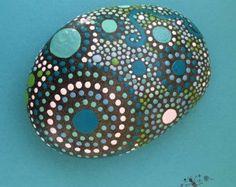 Geschilderde rotsen Mandala geïnspireerd door etherealearthrockart