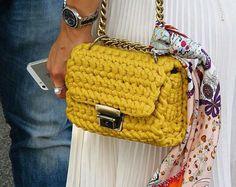 Long sliding chain strap bag   Structured shape crossbody bag   Yellow chain-link shoulder strap clutch bag   Metal rings crochet handbag