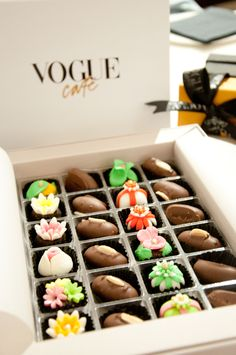 Chocolates - Vogue Café Dubai The chocolates and mini cookies served with tea and coffee are a nice touch.....
