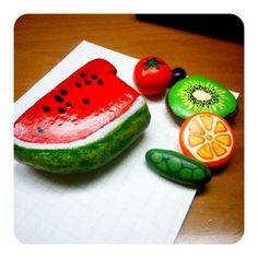 Kiwi & Co., rock, acrilic painting, fruits
