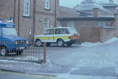 Cheshire Constabulary Range Rover outside Knutsford Police Station December 1981. Advanced Driving, Range Rover Classic, Police Station, December, Vehicles, Car, Vehicle, Tools