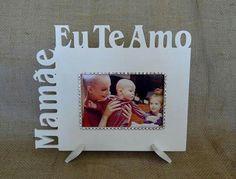 Porta Retrato temático: Mamãe Eu Te Amo, feito em MDF com aplicação de strass. Ótma opção para presentear. Para foto 10x15. Solicite orçamento 44 9840-7730.