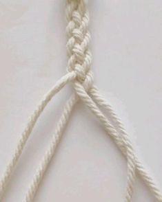 Diy Bracelets Patterns, Diy Friendship Bracelets Patterns, Diy Bracelets Easy, Macrame Bracelets, Handmade Bracelets, Rope Crafts, Diy Crafts Jewelry, Bracelet Crafts, Macrame Wall Hanging Diy