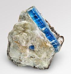 Kyanit (Disthen) 6 cm Alpe Sponda TI  Kyanite Alpe Sponda Ticino Switzerland Switzerland, Rings For Men, Gems, France, Stone, Crystals, Beautiful, Jewelry, Gemstones