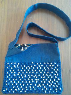Gümüş pullu örgü kot çanta