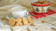 Mogyorós keksz gluténmentesen Gingerbread Cookies, Sugar, Desserts, Blog, Gingerbread Cupcakes, Tailgate Desserts, Deserts, Postres, Blogging