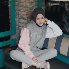 New sport style fashion casual 64 Ideas Hijab Casual, Hijab Style, Hijab Outfit, Ootd Hijab, Modern Hijab Fashion, Hijab Fashion Inspiration, Jogging, Chic Outfits, Sport Outfits