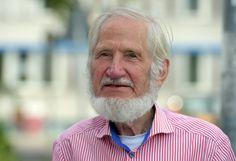 Seit den Siebzigerjahren mischte sich Rupert Neudeck als Journalist und...