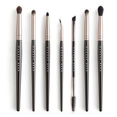 Makeup Geek Eye Brush Bundle v2 - The handles of these brushes were updated to a tapered handle on November 5, 2015 The Brow Brush was added to the bundle on December 15, 2015  The Makeup Geek Eye Brush Bundle includes 7 beautifully crafted eye brushes, essential in every makeup collection. This kit is perfect for everyday makeup application. Kit Includes:  Save $10 with this great bundle!   Purchased separately, these brushes retail for $60 combined  Kit Includes:  Pointed Crease:...
