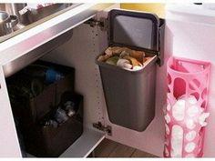 der platz unter der sp le ist ideal f r unsere neuen recyclingbeh lter wie z b variera. Black Bedroom Furniture Sets. Home Design Ideas