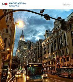 Buenos días!! muchas gracias a @madridseduce y en espacial a @patsymontielm por la mención de mi foto de la Gran Vía de Madrid. Visitar su magnífica galería. Un placer! by josudelagandara