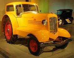 Minneapolis-Moline UDLX Farmall Tractors, Old Tractors, Antique Tractors, Antique Cars, Minneapolis Moline, Tractor Mower, Kult, Barns, Farming