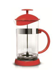 Quem já aderiu à cafeteira prensa francesa? A cafeteira french press é a queridinha do momento. Mas a fama é justa, o café feito nela fica uma delícia, encorpado, e é prática para o dia a dia. www.cozinharetro.com.br @cozinharetro