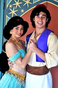 Aladdin and Jasmine Cute Disney, Disney Magic, Disney Parks, Disney Pixar, Walt Disney, Princess Photo, Disney Princess Art, Princess Aurora, Princess Jasmine