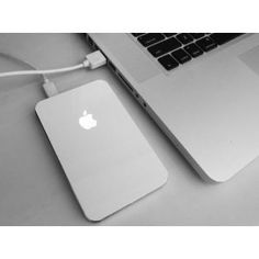 iHdd 2 - Slim External Hard Drive Case/Enclosure with glowing Apple sign for iMac, MacBook and PC (white)