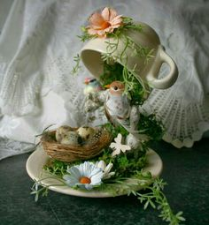 45 Beautiful Diy Summer Garden Teacup Fairy Garden Ideas 45 Beautiful Diy Summer Garden Teacup Fairy Garden Ideas In modern cities, it is almost impossible to. Tea Cup Art, Tea Cups, Cup And Saucer Crafts, Floating Tea Cup, Teacup Crafts, Teacup Decor, Deco Floral, Deco Table, Spring Crafts