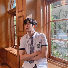 Ini Rowoon Idol Ganteng yang Curi Perhatian di Drakor Extraordinary You Korean Drama Movies, Korean Actors, Korean Dramas, Kim Ro Woon, Cute Korean, Korean Men, K Pop, Bad Boy, Eunwoo Astro