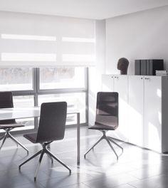 In the Leibar&Seigneurin architecture studio, the Laia desk chair creates a pleasant working environment. Design: Jean Louis Iratzoki