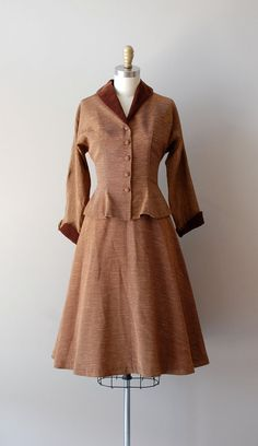 A beautiful brown 1950s Corolle skirt suit. #vintage #1950s #suits #fashion