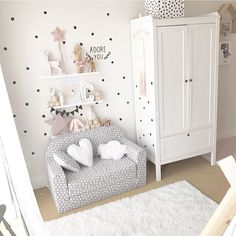 pink heart with dotted background Baby Girl Nursery Decor, Baby Bedroom, Baby Room Decor, Baby Boy Nurseries, Girls Bedroom, Boy And Girl Shared Bedroom, Little Girl Rooms, Baby Room Design, Kidsroom