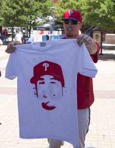Ken Giles, PHI, passing out his t-shirts before the game/ June 2015