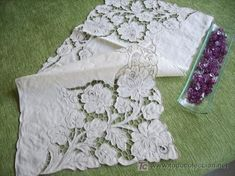 Advanced Embroidery Designs - Cutwork Lace Rose Corner - Google Search ile ilgili görsel sonucu