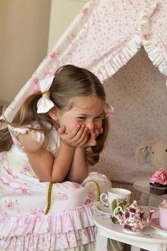 ♥ loving my tea party. Little People, Little Ones, Little Girls, Girly Girls, Precious Children, Beautiful Children, Kind Photo, Girls Tea Party, Tea Parties