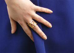 Geometric Ring (Newlook) lapetitefaitsamode.wordpress.com