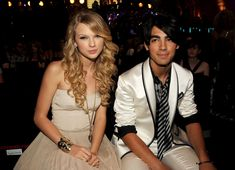 Is Taylor Swift's New (Old) Song About Joe Jonas? Taylor Swift New Album, Taylor Swift Funny, Taylor Swift Songs, Taylor Alison Swift, Blake Lively Baby, Singing Tips, Singing Career, Singing Lessons, New Wife