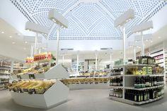 Dada Biocoop, le nouveau lieu imaginé par Jeff van Dyck au cœur de la capitale, une épicerie de la marque Biocoop en version minimaliste et raffinée. #design #retail