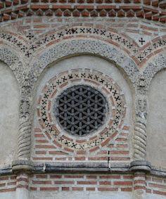 Cercul de stele: Geometrie sacră la Mănăstirea Cozia All Religious Symbols, Altar, Dream Symbols, Seed Of Life, Flower Of Life, Romanesque, Sacred Geometry, Folk Art, Mosaic