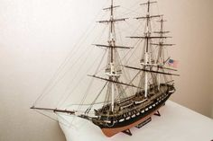 USS Constitution Model from Revell, 30 foto