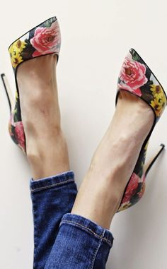 pointy floral pumps