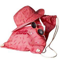 Le coffret Sun Set Ice Kream de la marque KI et LA comprend une paire de lunettes solaires Diabola, un chapeau Kapel anti-UV et un sac de plage.