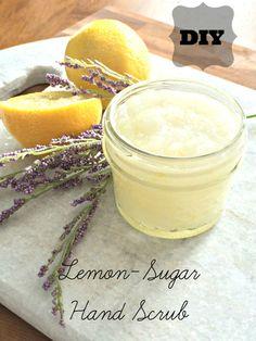 砂糖とヤシの油、そしてすりおろしたレモンを使ったオリジナルのシュガーピーリング。甘酸っぱい香りが心も癒してくれ、乾燥した手もスクラブ効果ですべすべになりますよ(URLは英文になります)。