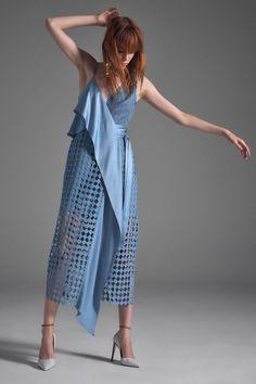 Diane von Furstenberg Spring/Summer 2017 at New York Fashion Week London Fashion Weeks, New York Fashion, Fashion 2017, Look Fashion, High Fashion, Fashion Show, Fashion Dresses, Fashion Design, Fashion Trends