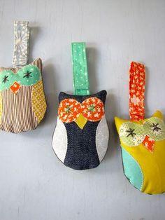 Nifty Kidstuff: Owlie Stroller Toys
