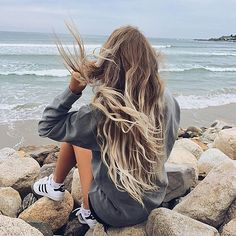 Beach Hair :: Natural Waves :: Brunette + Blonde :: Summer Highlights :: Messy Manes :: Long Locks :: Discover more DIY Easy Hairstyle Photography + Style Inspiration