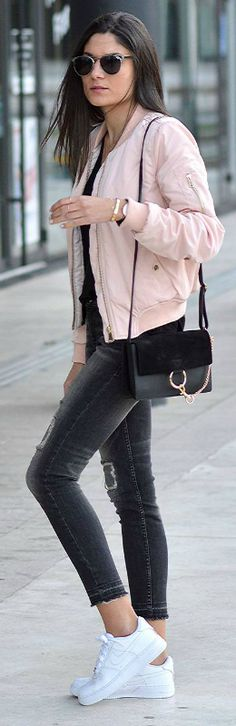 Federica L. + bomber jacket trend + shade of pale pink + casual and feminine vibes   Jacket: OutfitBook, T-Shirt: Zara, Jeans: Mango, Trainers: Air Force One.