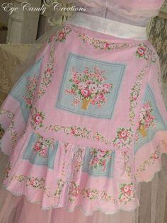 vintage floral apron..