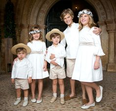Querida Valentina French Wedding, Dream Wedding, Page Boy, Wedding With Kids, Cute Family, Wedding Photography Poses, Matching Family Outfits, Baby Dress, Flower Girl Dresses