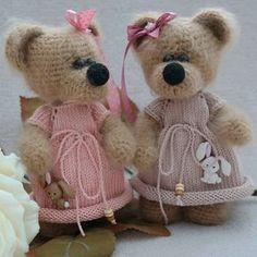Мишутки Сестрички Домик нашли Мк нет! Связано по вдохновению❤ ------------------- #elenagunger#weamiguru#orguoyuncak#knitting#toys#bebis#вязание#вязаныеигрушки#вязаныймишка#вязаниекрючком