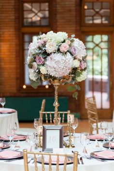 Classic + Elegant Pink Chicago Wedding: http://www.stylemepretty.com/illinois-weddings/chicago/2015/10/21/classic-elegant-pink-chicago-wedding/ | Photography: Emilia Jane Photography - http://emiliajanephotography.com/