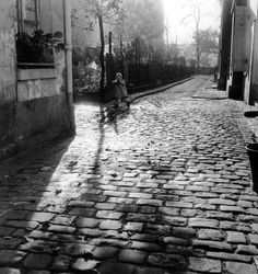 Willy Ronis - Belleville-Ménilmontant, Paris (1954)