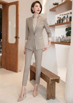 Classy Work Outfits, Office Outfits, Mode Outfits, Cute Casual Outfits, Girl Outfits, Fashion Outfits, Korean Fashion Dress, Korean Outfits, Looks Kate Middleton