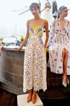 Lela rose new york women ss 2019 Lela Rose, Looks Chic, Looks Style, Look Fashion, High Fashion, Womens Fashion, Lolita Fashion, Races Fashion, Dress Me Up