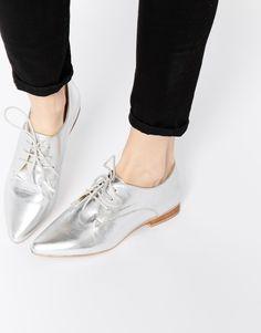Bild 1 von ASOS – MARA – Spitze, flache Schuhe aus Leder