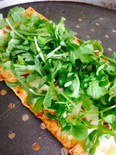 21 Day Fix 3 Cheese White Pizza with Arugula