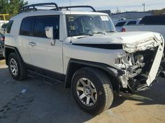 Salvage Toyota Fj Cruiser Suvs for Sale And Auction   JTEZU4BF7EK013789